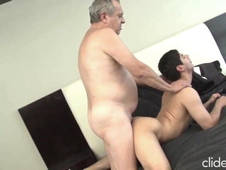 THE MOST DESIRED DADDY TO MAKE A PORN VIDEO