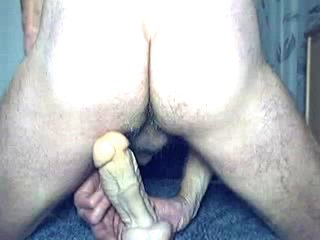 HARRI LEHTINEN WANKING HIS COCK AND RIDING 8 INCH KONG UP HIS MANPUSSY!