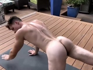 Considerate Yoga Exhibitionist